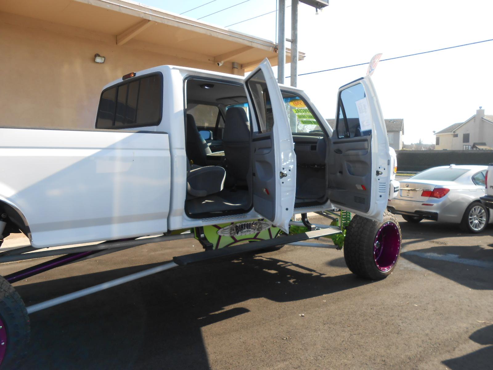 socal trucks  hometown  custom lifted trucks