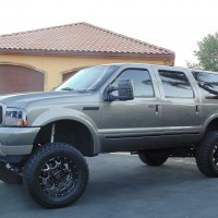 2003 FORD EXCURSION CUSTOM BUILT DIESEL **MUST SEE** BADDEST TRUCK IN TOWN!!!